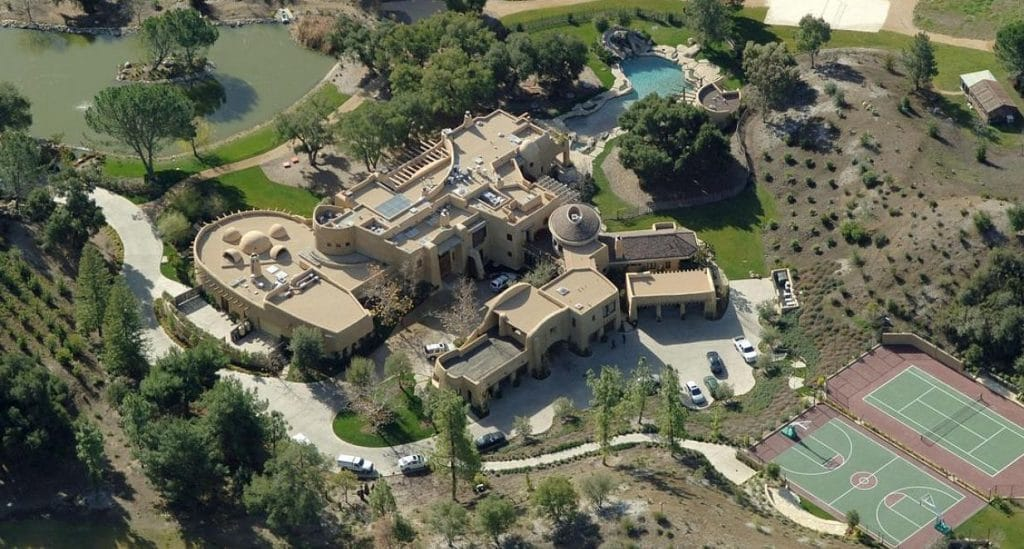 Top 19 Celebrity Houses, Cars And Other Fortunes
